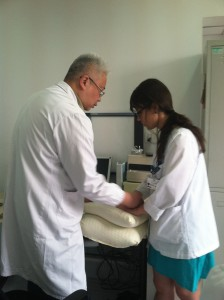 Shi Yang leaning tuina at Shanghia First People's Hospital in Sonjiang_Katherine Promer